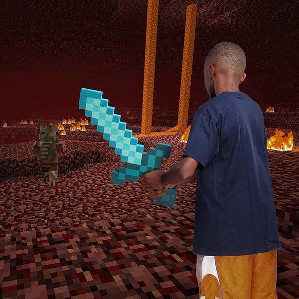 Minecraft Deluxe Diamond Sword