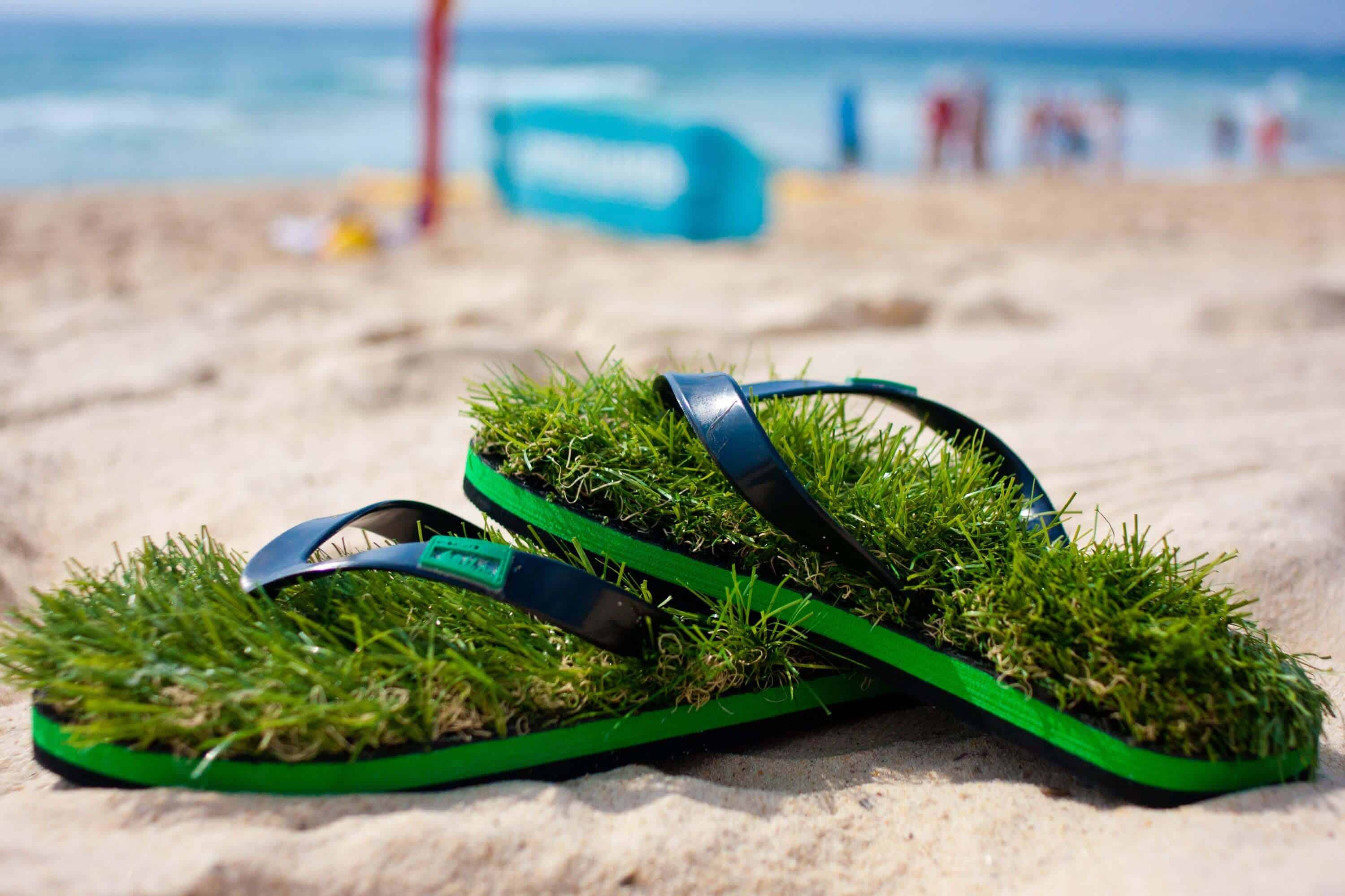 952892308b59 Kusa Grass Flip Flops - Things I Desire
