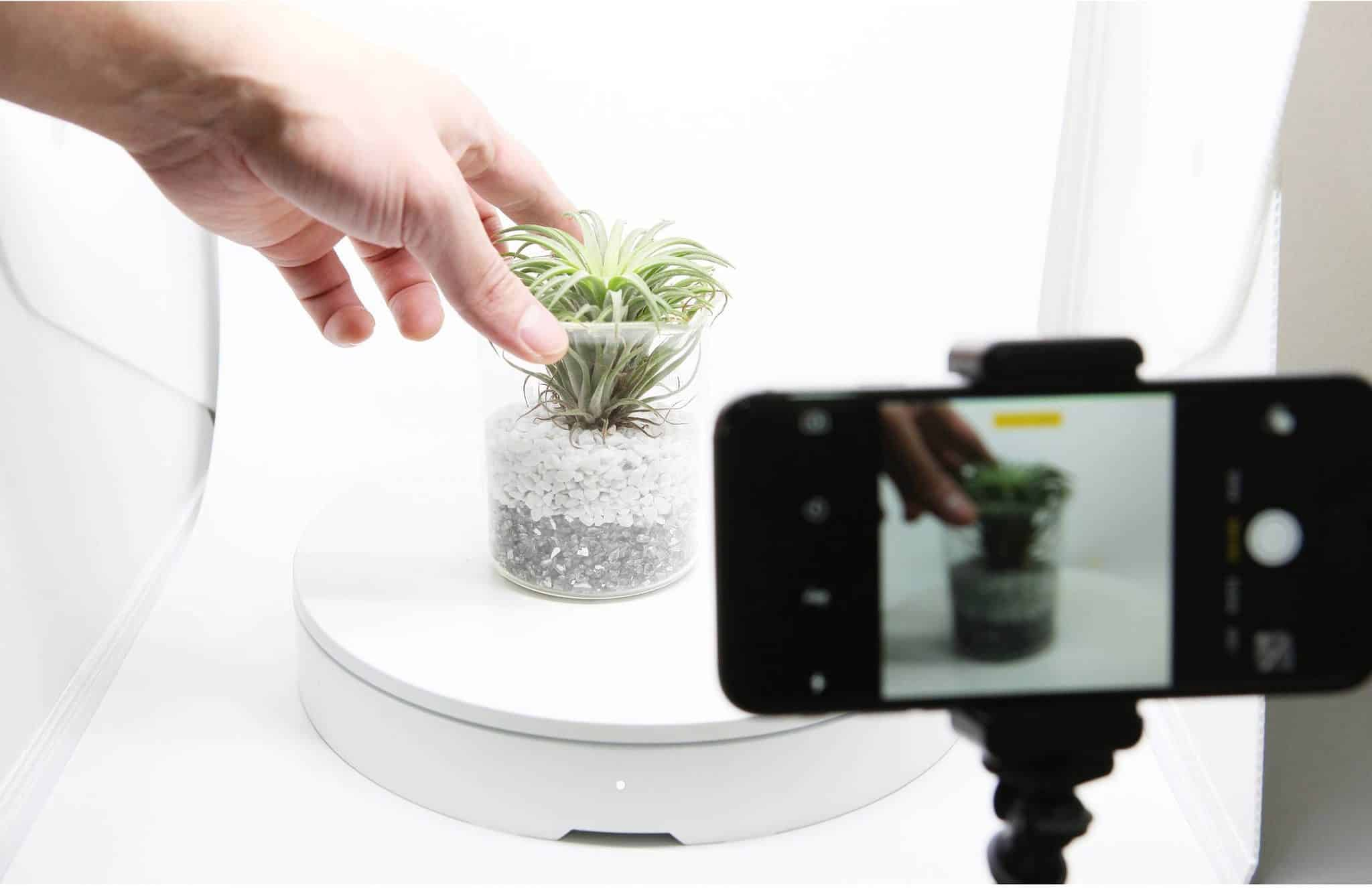 Smart Turntable For 360 Images