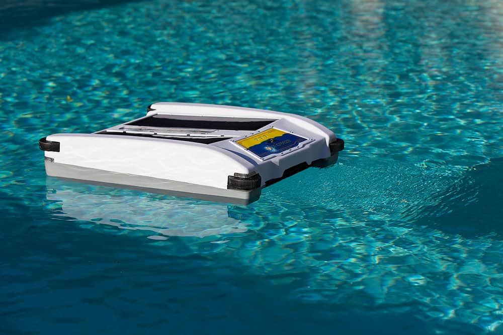 Solar Powered Robotic Pool Cleaner