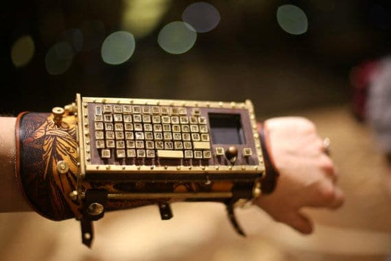 12 Cool And Creative Computer Keyboards To Level Up Any Workspace 17