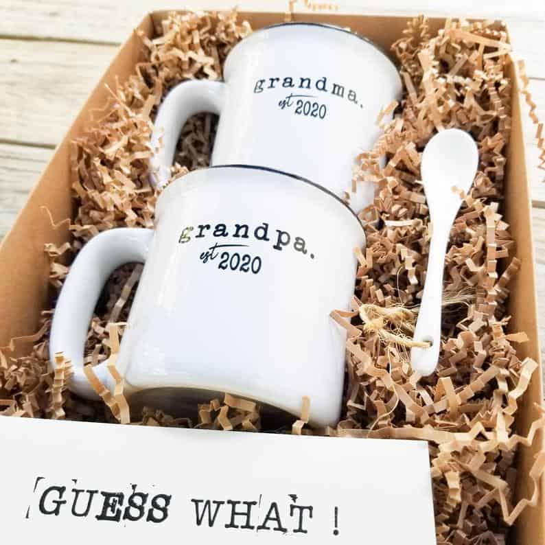 Pregnancy Announcement Grandparents Mug Set