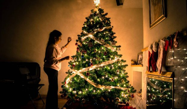 Best Christmas Tree Decoration Ideas For Every Style & Budget